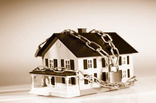 ЖКХ, выселение и долевое владение: когда нужна консультация по жилищному вопросу