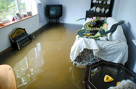 Возмещение ущерба при заливе квартиры