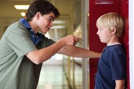 Вымогательство несовершеннолетними