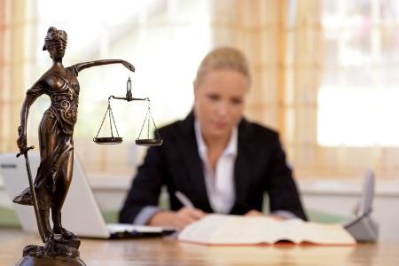 Где найти юриста в Химках